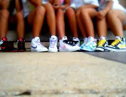 Czy warto kupować firmowe buty dla dzieci?