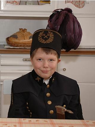 kostium-gornika-dla-dziecka