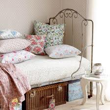 Pokój dla dziewczynki w stylu retro
